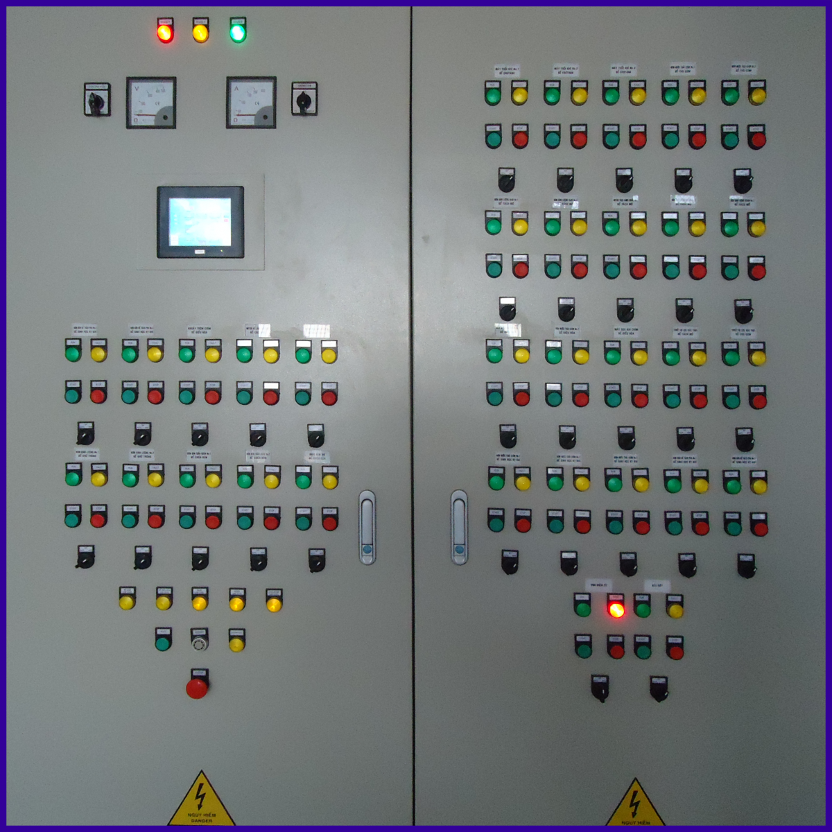 Tủ điều khiển tự động hóa (PLC)